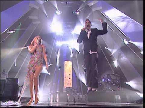 Kylie Minogue & Robbie Williams - Kids (MTV EMA 2000)