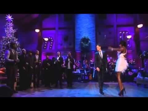 Michael Bublé & Kelly Rowland & Naturally 7 - White Christmas