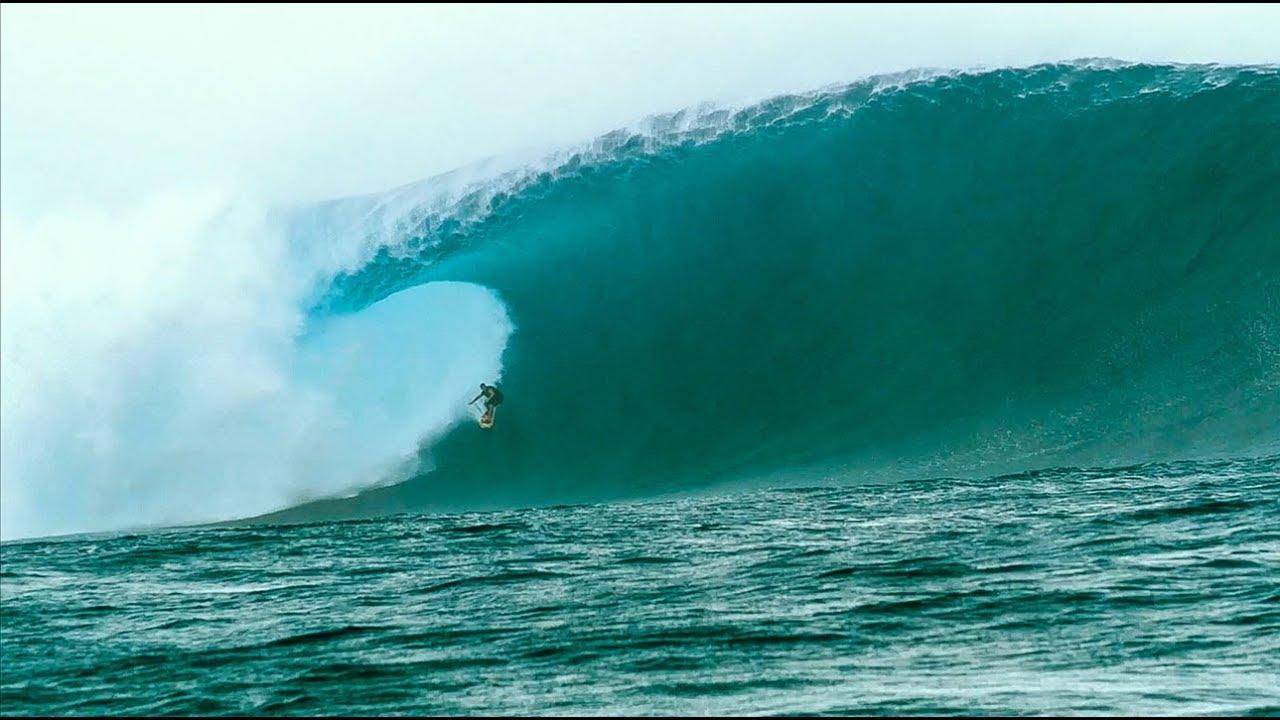 Makua Rothman: Huge Wave Wipeout at Cloudbreak