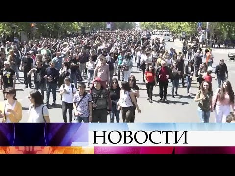 В Армении сторонники оппозиции вновь вышли на улицы.