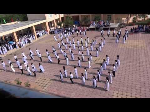 FLASHMOB Khai Giảng Trường THPT Chuyên Phan Ngọc Hiển 2015