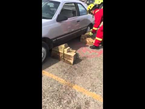 Rapid Vehicle Lift for Pinned Patient, Fire Rescue & Extrication Technique