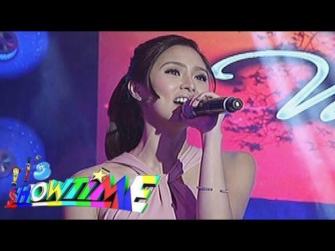 It's Showtime: Kim Chiu sings