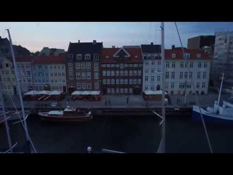 Nyhavn, Copenhagen, Denmark NIGHT (timelapse, duration: one minute)
