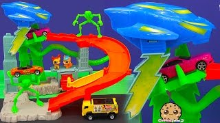Hot Wheels Cars Alien Turbo Abduction Playset with Littlest Pet Shop - Toy Cookieswirlc Video(These Littlest Pet Shop pet don't know what to do when they are being chased by aliens! Ahhh!!! Can they get away? ..., 2016-01-27T15:35:55.000Z)