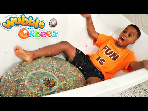 FILLING SUPER WUBBLE BUBBLE WITH 100+ BATH BOMBS!