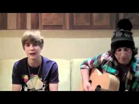 """Justin Bieber"" singing ""Baby""acoustic Guitar"