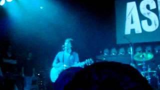 Ash - Joy Kicks Darkness (Live at The Brickyard, Carlisle 21/10/09)