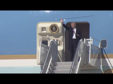 Team: President Trump arrives in Hampton Roads