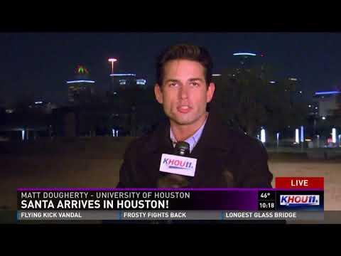 Caught on Camera: Santa spotted flying across Houston