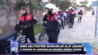 Izmir Adliyesinde Mahkumlar