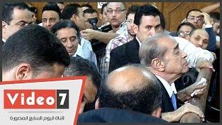 فريد الديب يظهر لأول مرة بعد تعافيه أثناء نظر طعن أحمد عز