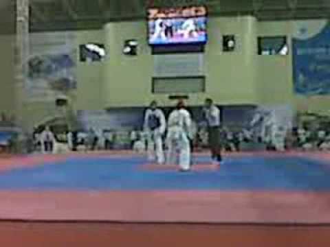 Carlos vasquez taekwondo VS Aaron Cook  abierto de KOREA 2009 ROUND 2