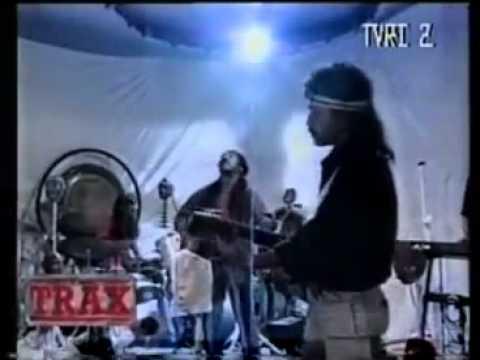 Iwan Fals Ft Kantata Takwa - Nyanyian Jiwa (Original Clip)@HO.MP4