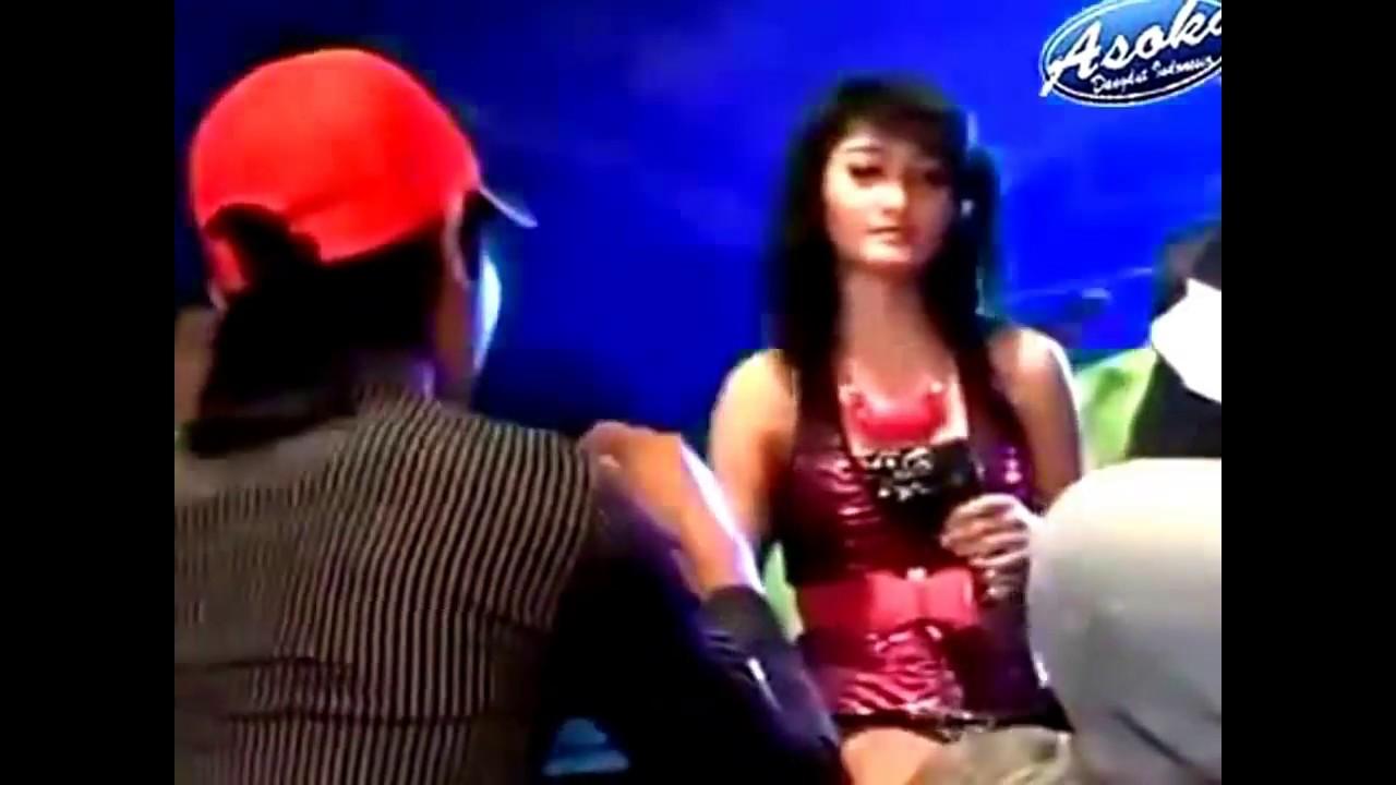 Dangdut Koplo Hot Capucino Paling Parah Anunya di pegang - YouTube
