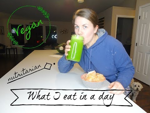 WHAT I EAT IN A DAY AS A VEGAN AND NUTRITARIAN PLUS GOING TO THE GYM