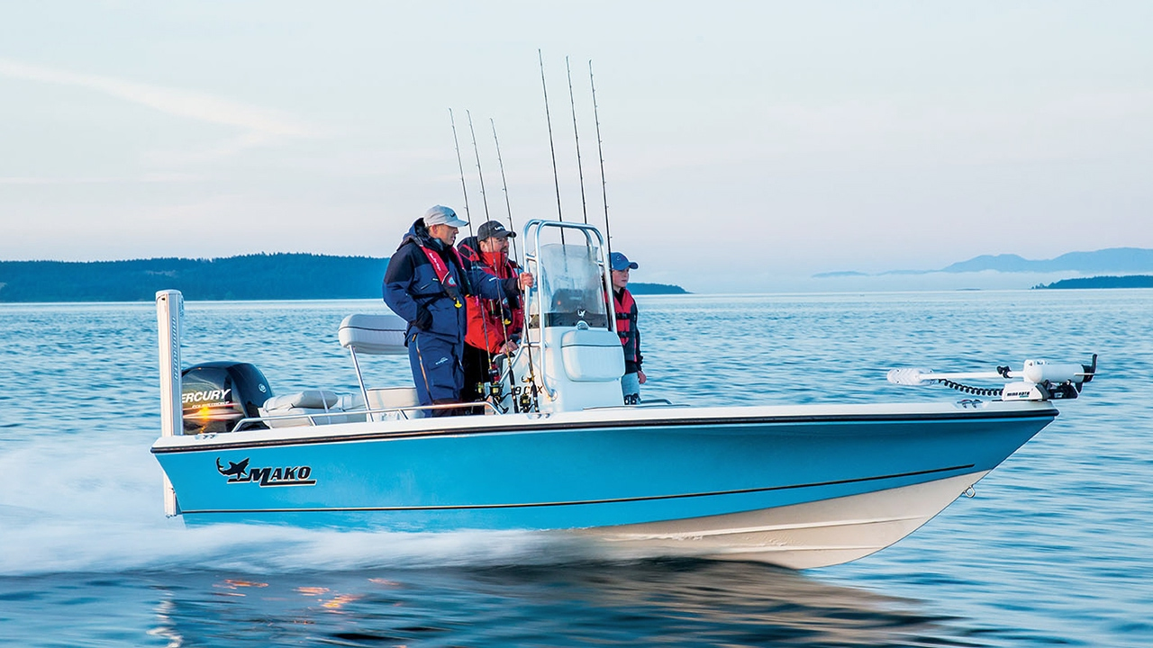 Mako boats 19 cpx inshore fishing boat youtube for Inshore fishing boats