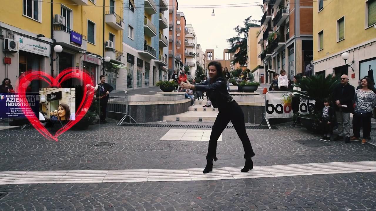 2cc767527144 Flash Mob - Proposta di Matrimonio - Cosenza - YouTube
