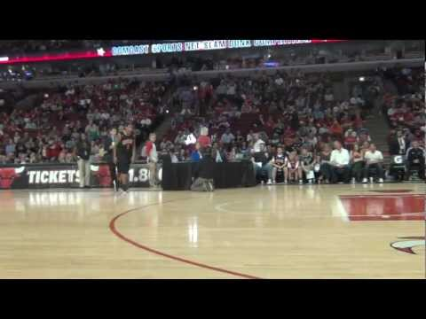 """TFB::Dunks::6'3"""" Guy Dupuy SHOWS UP the NBA Dunk Contest at the UNITED CENTER! #LetTFBDunk"""