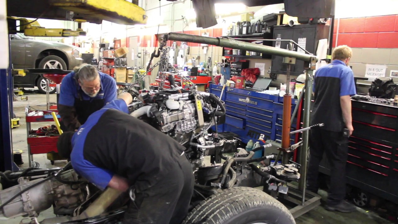 Lees Summit Dodge >> Replacing an engine on a Ram EcoDiesel - YouTube
