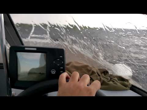 Волжанка 49 в волну и ветер 10-12 м/с