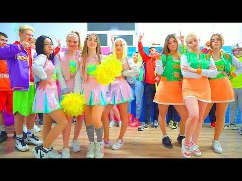 ¡El Regreso Del Equipo De BUNNY! ¡Diana Eligió Quiénes Son Las Nuevas Cheerleaders De BUNNY!