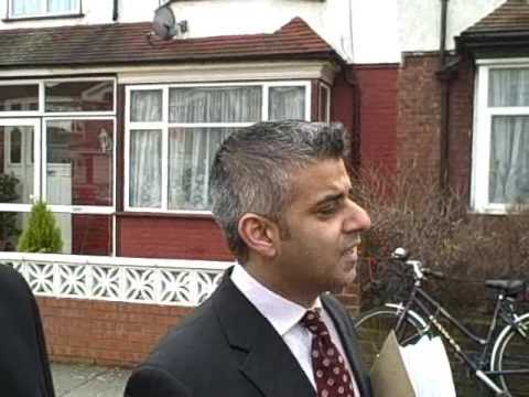 Sadiq Khan MP speaks to residents about the Springfield Development