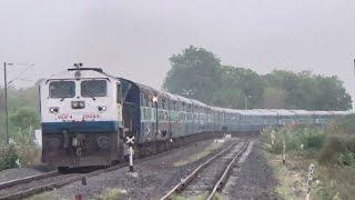 ASHRAM EXPRESS WITH ARAVALI : Most Popular SuperFast Train Of Indian Railways : Ahmedabad To Delhi