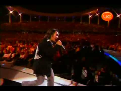 Don't Stop Believing LIVE In Chile High Quality