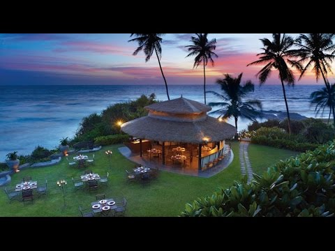 Vivanta by Taj Bentota 5, Sri Lanka - Walk around the hotel and beach (Real video - without cutting)