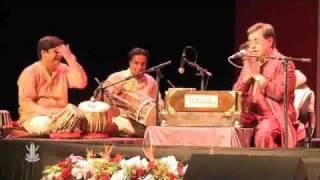 Jagjit Singh - Yeh Daulat Bhi Le Lo [Live in Paris 2011]