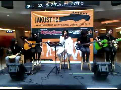 Accoustic Fallin In Love by The Fortune @Citywalk Jakarta.3GP
