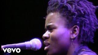 Tracy Chapman - Talkin' bout a Revolution (Live)