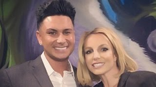 Britney Spears Confirms Relationship with Charlie Ebersol - EXTRA Interview