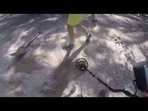 Metal Detecting  on Hamilton Island with X-TERRA 705