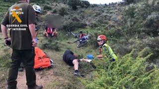El Servicio de Montaña de la Guardia Civil en La Rioja rescata a dos personas