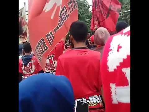 Pasoepati  chants satu cinta selamanya sambernyawa #tolakmainbekasi