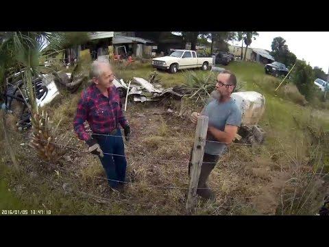 Gilbert szomszéd kertel, domb takarítás, terepszemle