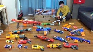 허팝 람보가 되기 위해 너프건 엘리트 메가 좀비스트라이크 장난감총 21개 몸에 장착하다.