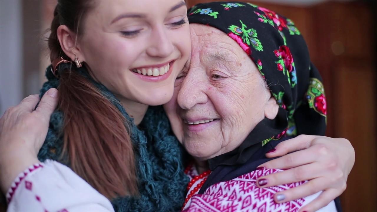 """""""Хорошо там было. Как дома на печке. Очень понравилось"""", - ставшие знаменитыми черниговские бабушки вернулись из Венгрии - Цензор.НЕТ 2005"""