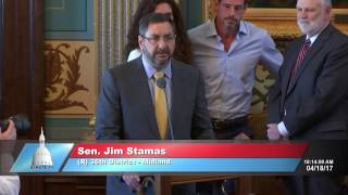 Sen. Stamas delivers tribute to former Sen. John Pridnia