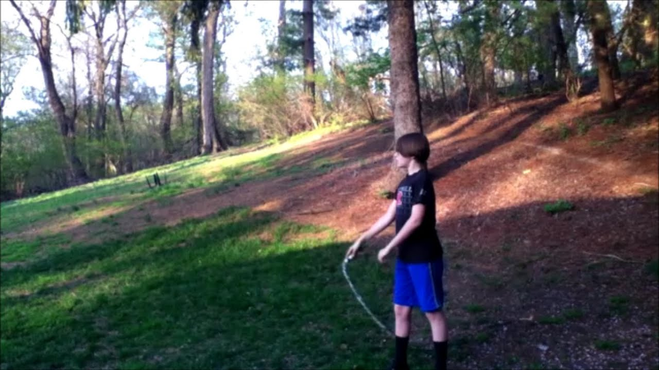 photo How to Make a Duct Tape Bullwhip