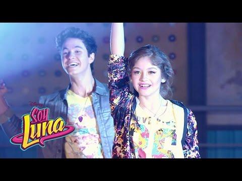 Luna y Simón cantan Valiente | Momento Musical (con letra) | Soy Luna