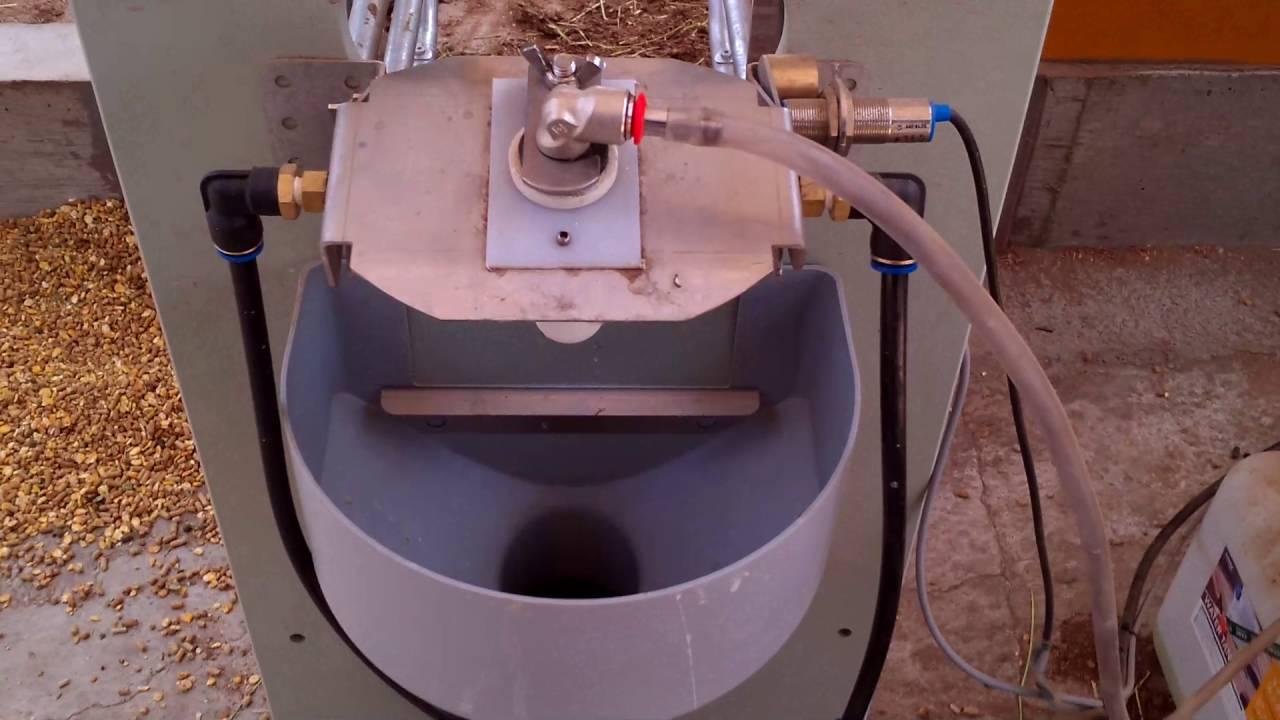 哺乳ロボットフォスター