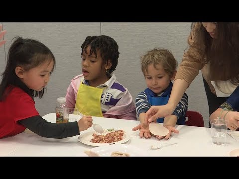Kids Learn About Chinese New Year Traditions