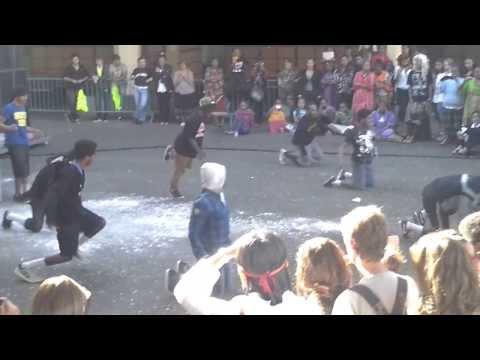 RÉSURRECTION FEAT DOUGIE BOYS BAND À JKRL 2013 szi