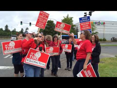 Puyallup teachers make their case in song