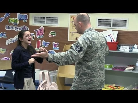 Military Dad Pretends To Video Chat With Deaf Daughter For Surprise Homecoming