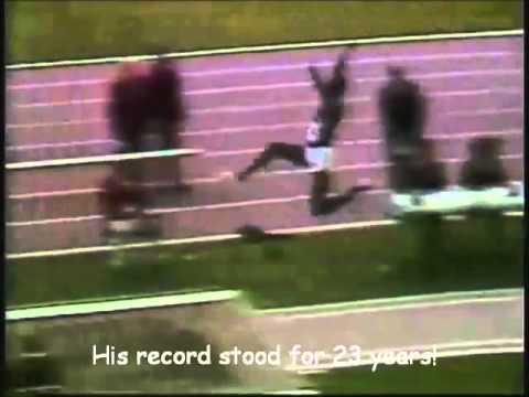 10 Atlet Lompat Jauh Terbaik