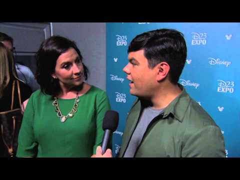 Gigantic: Kristen Anderson-Lopez & Bobby Lopez D23 2015 Red Carpet Interview